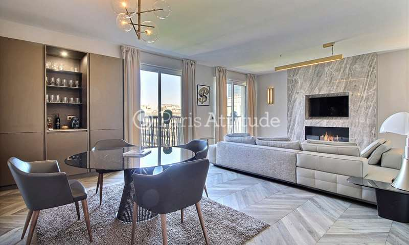 Rent Apartment 2 Bedrooms 112m² avenue Montaigne, 8 Paris