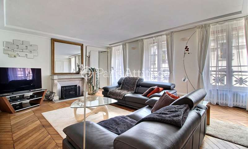 Rent Apartment 2 Bedroom 103m² rue Saint Roch, 75001 Paris