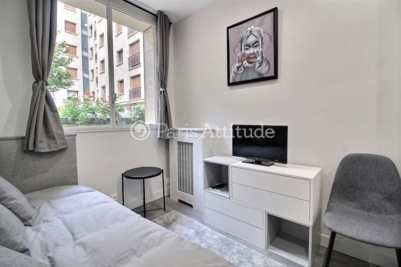 Rent furnished Apartment Studio 13m² avenue Montaigne, 75008 Paris
