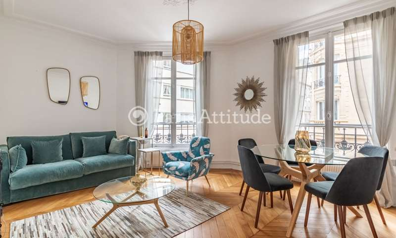 Location Appartement 2 Chambres 66m² rue Laugier, 17 Paris