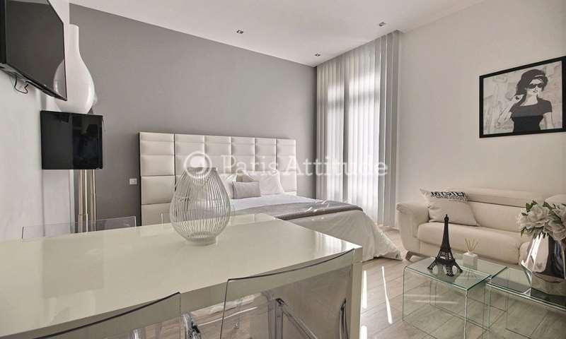 Rent Apartment Studio 36m² avenue des Champs elysees, 8 Paris