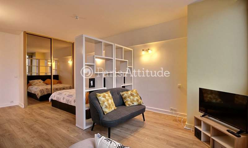 Rent Apartment Alcove Studio 31m² rue du Faubourg Saint Honore, 8 Paris