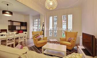 Rent Apartment 2 Bedrooms 69m² rue Damremont, 18 Paris