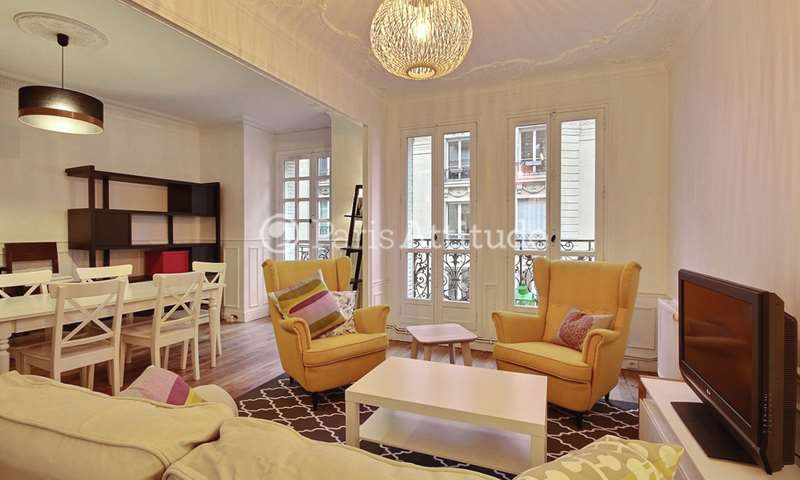 Rent Apartment 2 Bedrooms 69m² rue Damremont, 18 Paris