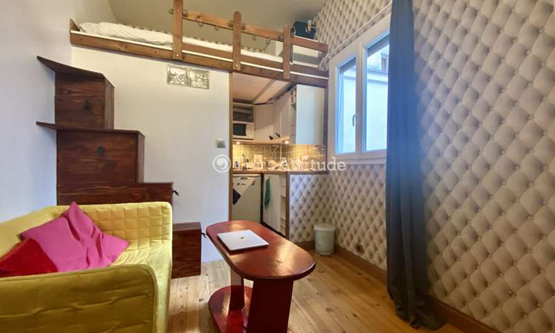 Rent Apartment Studio 15m² rue de Sevigne, 4 Paris