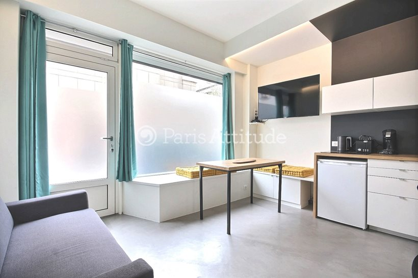 Rent furnished Apartment 2 Bedrooms 35m² rue du Ruisseau, 75018 Paris