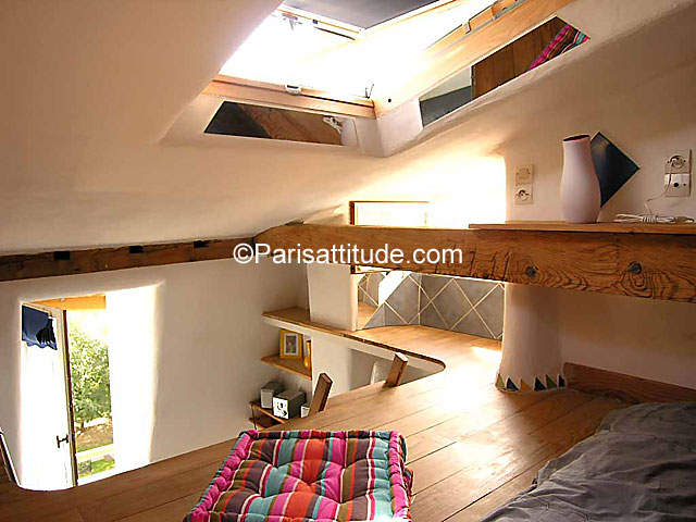 Rent apartment in paris 75011 18m belleville ref 1626 for How to build a mezzanine floor for bedroom