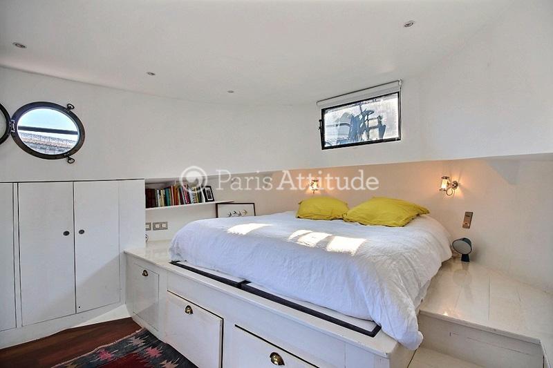 louer un peniche paris 75006 100m saint germain des pres ref 1752. Black Bedroom Furniture Sets. Home Design Ideas