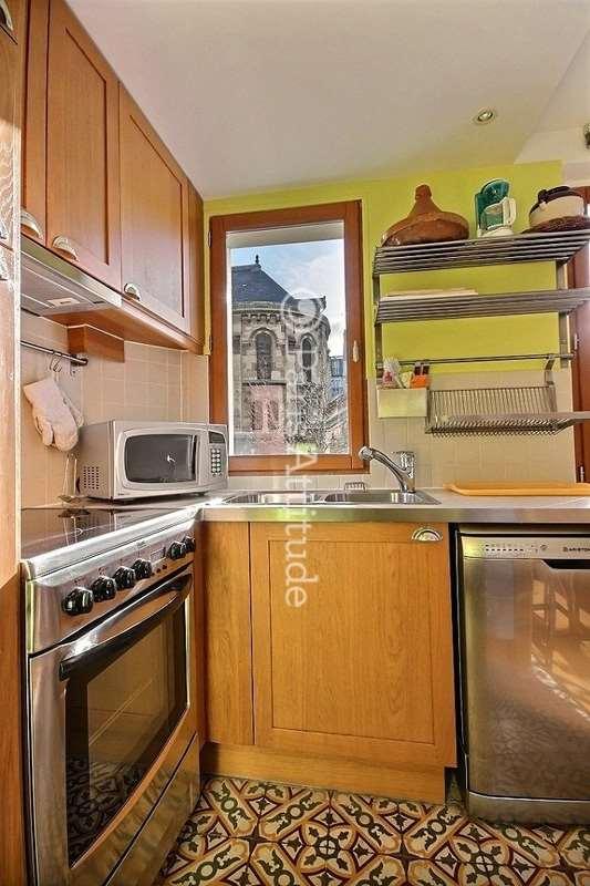 Louer un appartement paris 75011 65m canal saint martin ref 1929 for Louer une chambre sans fenetre