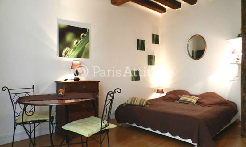 Rent Apartment Studio 25m² rue Vieille du Temple, 75004 Paris