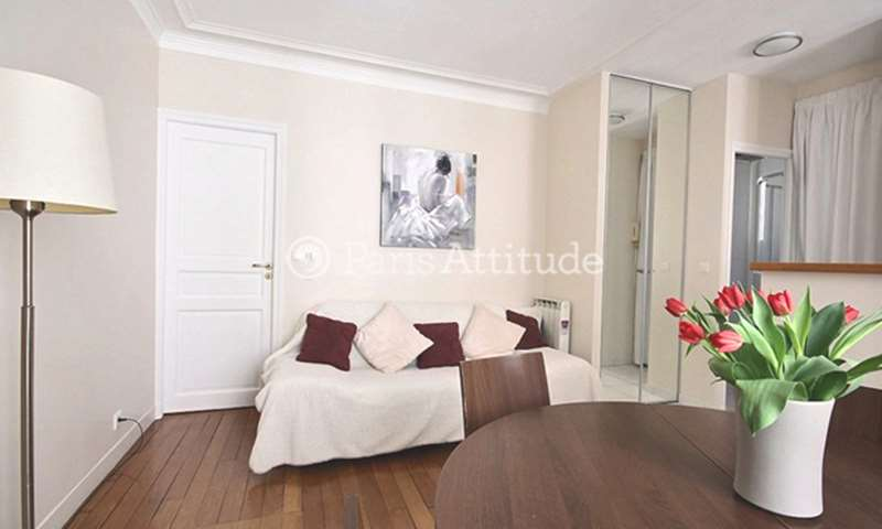 Rent Apartment 1 Bedroom 33m² rue de la Roquette, 75011 Paris