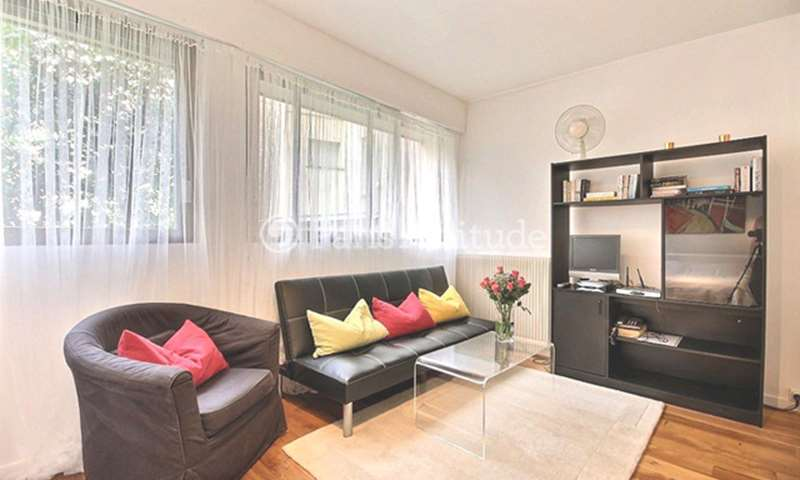 Rent Apartment Studio 27m² rue de Fleurus, 6 Paris