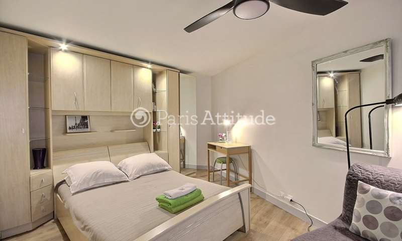 Rent Apartment Alcove Studio 26m² rue de Turenne, 3 Paris