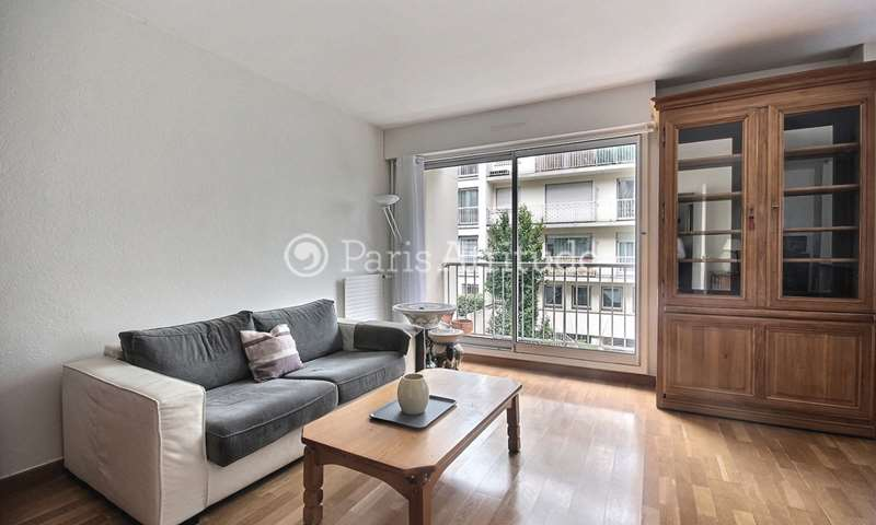 Rent Apartment 1 Bedroom 51m² rue Philippe de Girard, 18 Paris