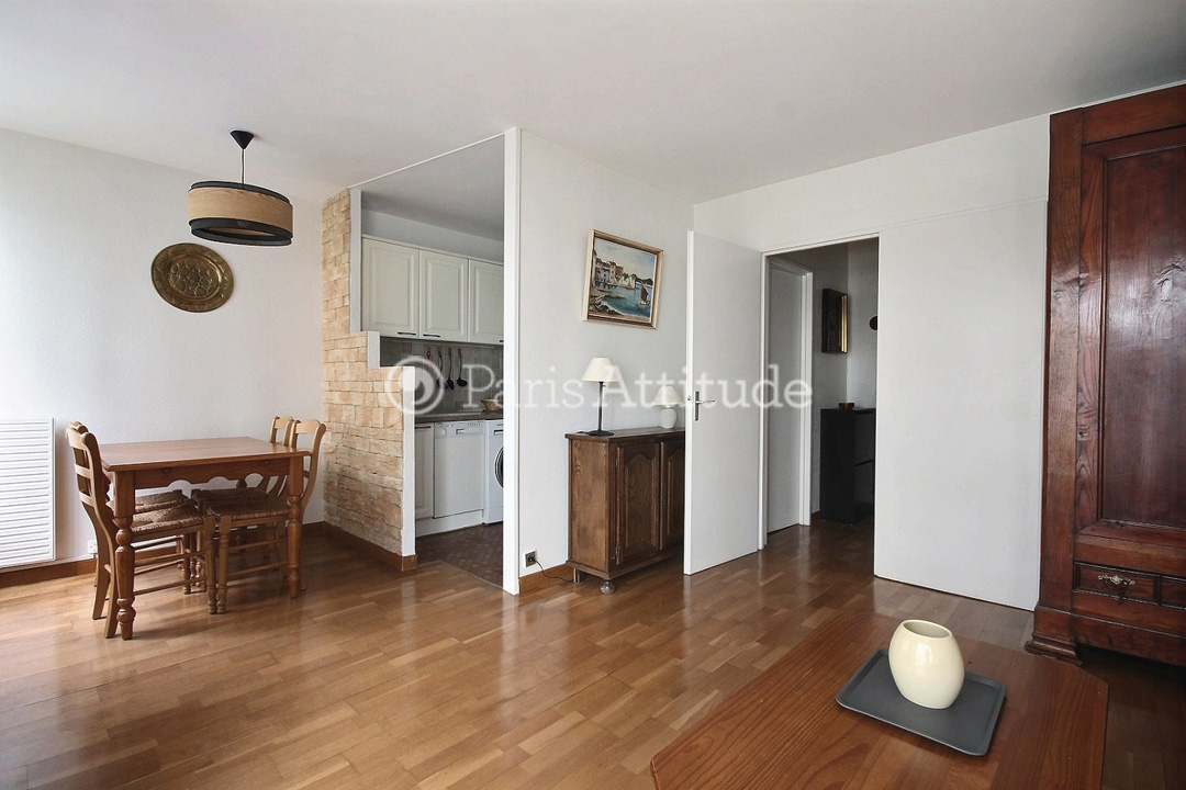 Louer un appartement paris 75018 51m porte de la for Meuble porte de la chapelle
