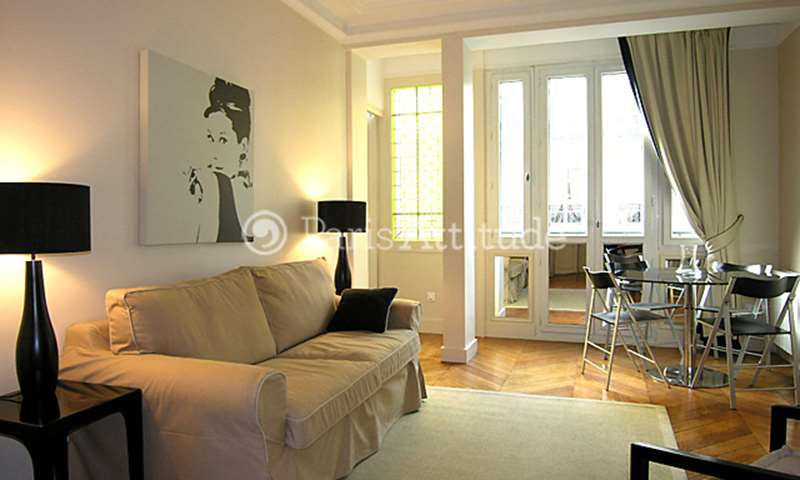 Rent Apartment 1 Bedroom 45m² rue du Louvre, 75001 Paris