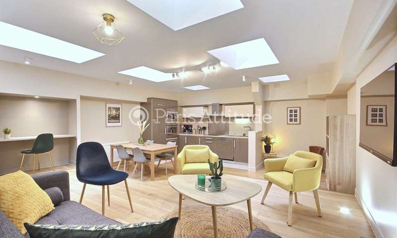 Rent Apartment 2 Bedrooms 76m² rue Lamande, 17 Paris