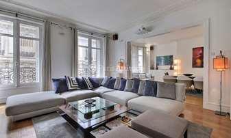 Rent Apartment 2 Bedrooms 140m² rue Arsene Houssaye, 8 Paris