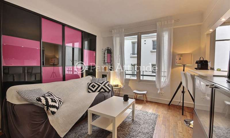 Rent Apartment 1 Bedroom 40m² avenue Matignon, 8 Paris