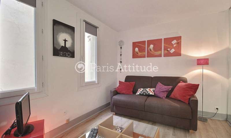 Rent Apartment Studio 25m² rue Paul Lelong, 2 Paris