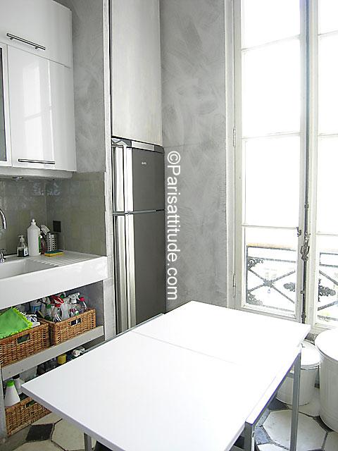 Louer un appartement paris 75010 100m bonne nouvelle for Chambre de bonne a louer paris