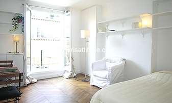 Rent Apartment Studio 25m² rue Fontaine, 9 Paris