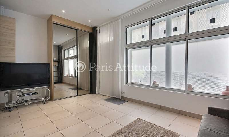 Rent Apartment Studio 39m² rue du Delta, 9 Paris