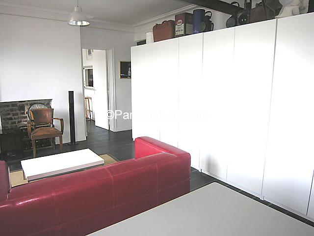 Louer un appartement paris 75019 46m la villette for Louer une chambre sans fenetre