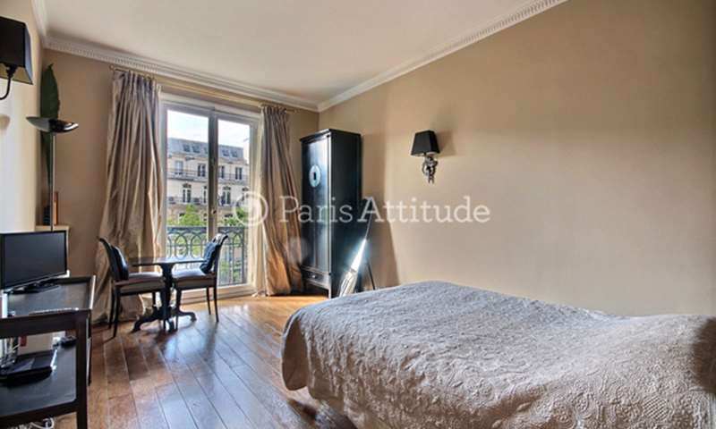 Rent Apartment Studio 27m² boulevard de la Madeleine, 9 Paris