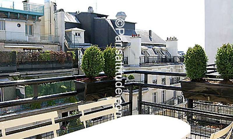 Rent Apartment Studio 16m² rue Jean Mermoz, 8 Paris