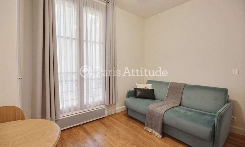 Rent Apartment Studio 16m² rue de Sevigne, 4 Paris