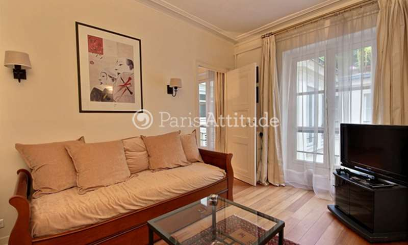Rent Apartment 1 Bedroom 55m² rue Godot de Mauroy, 75009 Paris