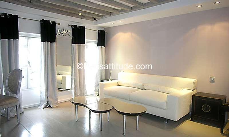 Rent Apartment 1 Bedroom 45m² rue du Roi de Sicile, 4 Paris