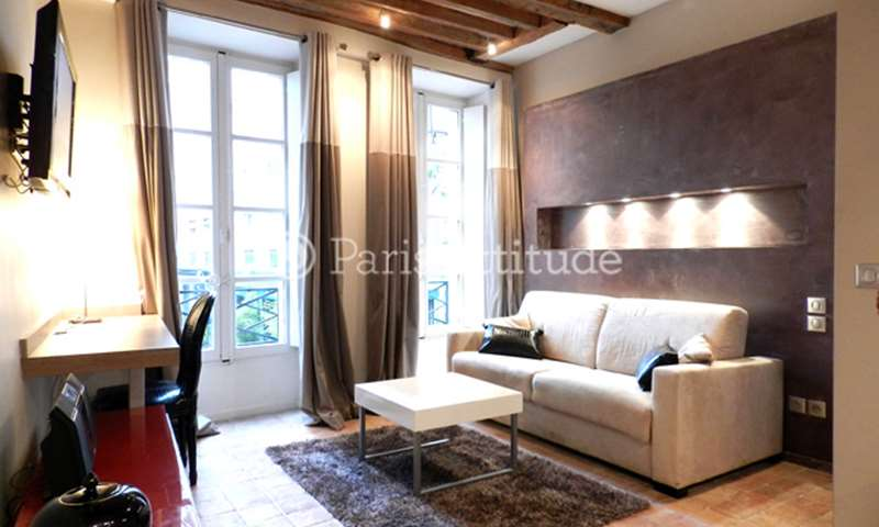 Rent Apartment Studio 30m² rue du Roi de Sicile, 4 Paris