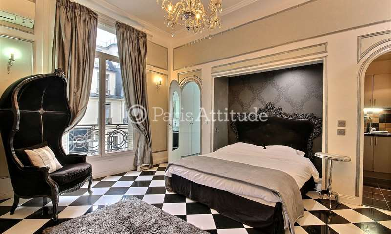 Location Appartement Studio 28m² avenue des Champs elysees, 75008 Paris
