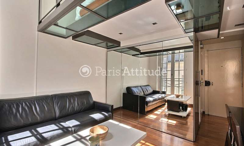 Rent Apartment Studio 25m² rue Vieille du Temple, 4 Paris