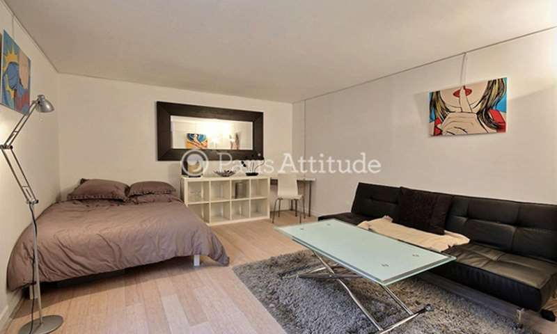 Rent Apartment Alcove Studio 33m² rue Dussoubs, 2 Paris