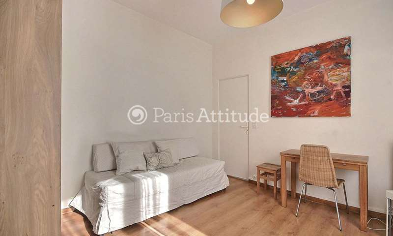 Rent Apartment Studio 18m² rue de la Grange aux Belles, 75010 Paris
