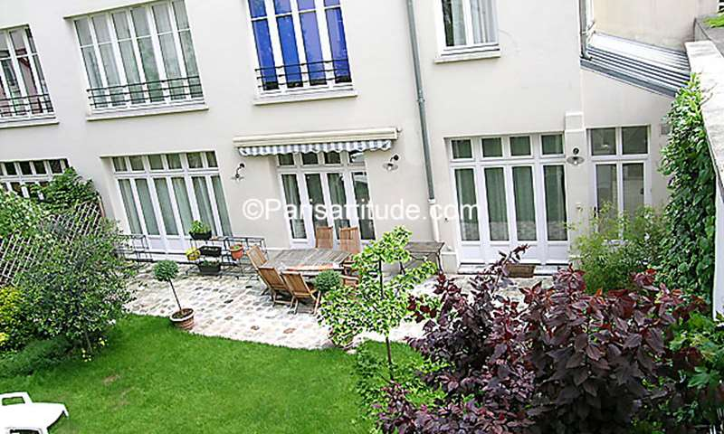 Rent Duplex 5 Bedrooms 152m² rue de Citeaux, 12 Paris