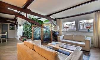 Location Appartement 2 Chambres 90m² rue de Charenton, 12 Paris