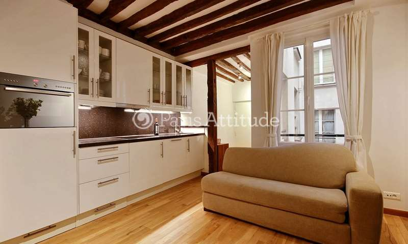 Rent Apartment 1 Bedroom 32m² rue Saint Honore, 75001 Paris