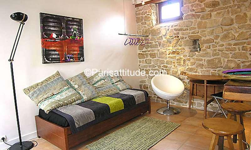 Rent Apartment 1 Bedroom 30m² rue Girardon, 18 Paris