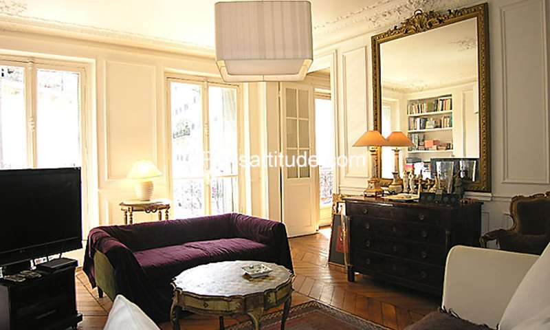 Rent Apartment 2 Bedrooms 105m² rue Blanche, 75009 Paris