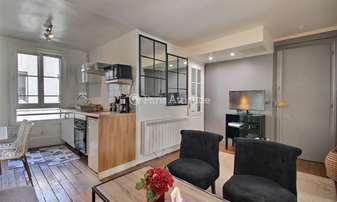 Rent Apartment 2 Bedrooms 55m² rue de Grenelle, 7 Paris