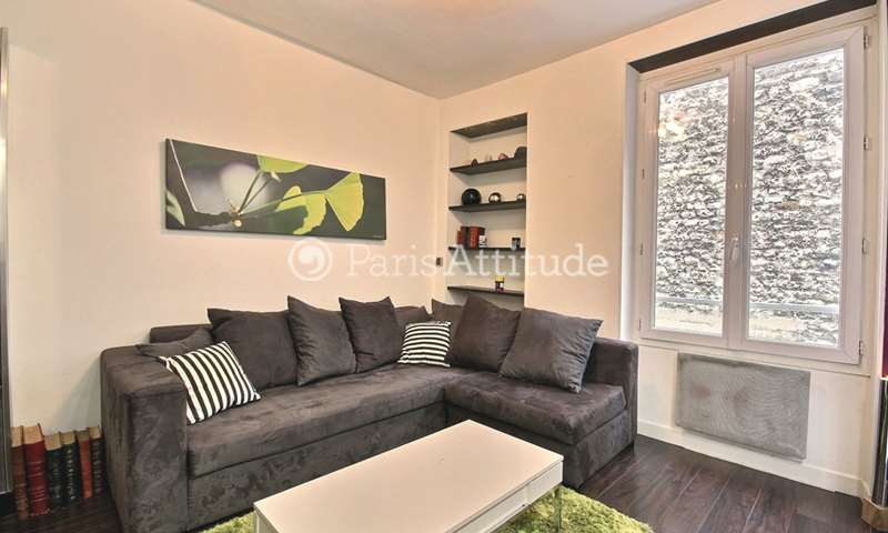 Rent Apartment Alcove Studio 30m² rue du Mont Cenis, 75018 Paris