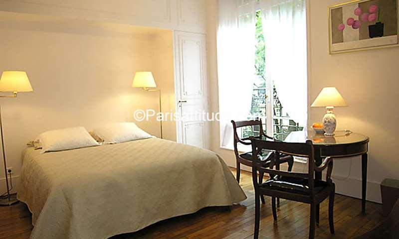 Rent Apartment Studio 23m² rue Lulli, 2 Paris