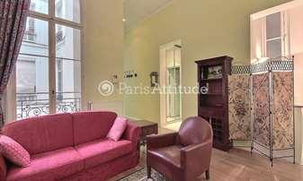 Location Appartement 1 Chambre 50m² rue Roquepine, 8 Paris