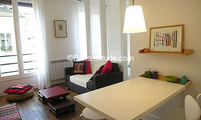 Location Appartement Alcove Studio 26m² rue du Mont Cenis, 18 Paris