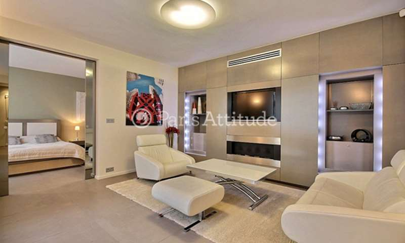 Rent Apartment 1 Bedroom 60m² avenue Montaigne, 75008 Paris