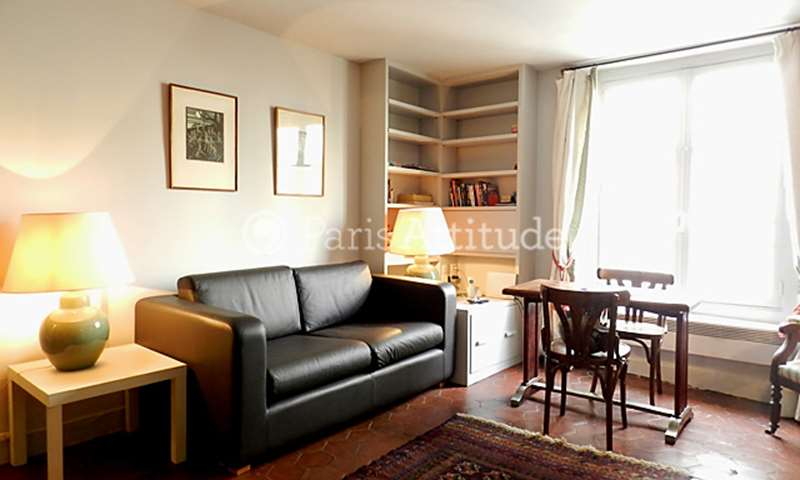 Rent Apartment 1 Bedroom 32m² rue Saint Germain l Auxerrois, 75001 Paris
